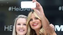 Il futuro dei selfie: le star li scattano e l'esperto spiega perché