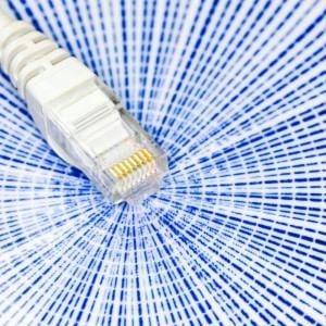 """Banda ultralarga, """"migrazione"""" verso la fibra con 1,7 mld di euro di incentivi agli utenti"""