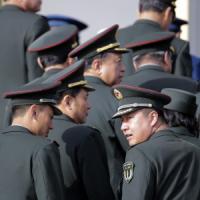 Cina: spese militari, aumento del 10 % nel 2015