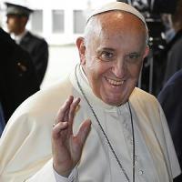 """Papa Francesco difende gli anziani: """"Abbandonarli è peccato"""""""