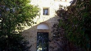 Questa casa era una chiesa    gli immobili più strani in vendita    Foto  I peggiori annunci