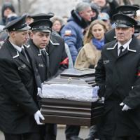 """Nemtsov, identificati i primi sospetti. Putin: """"Impedire omicidi a sfondo politico"""""""