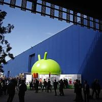 Google sfida Apple: smartwacth Android compatibili con iPhone