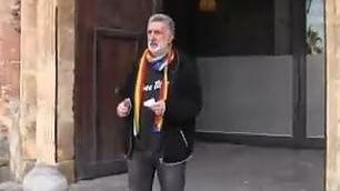 Senza cravatta: sindaco Messina resta fuori da assemblea regionale