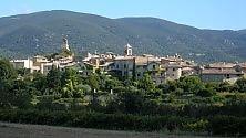 Lo charme di Lourmarin il borgo provenzale che sedusse Camus    foto
