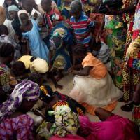 Nigeria, donna linciata e bruciata in un mercato. Ma non era una kamikaze