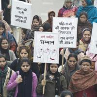 India, folla lincia uno stupratore