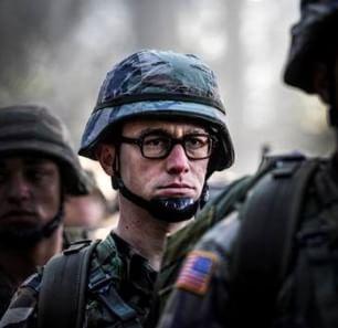 """""""Snowden"""", il film di Stone nei cinema a Natale"""