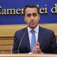 """Luigi Di Maio: """"Il dialogo sarebbe possibile ma il premier se ne frega del reddito di..."""