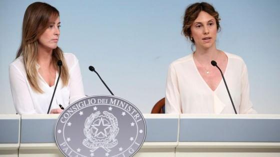 """I redditi dei politici nel 2013, Madia e Boschi le più """"povere"""" tra i ministri"""