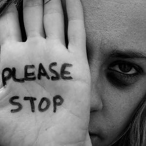 Stalking: boom di diffide e allontanamenti. Ma le violenze domestiche aumentano
