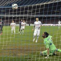 Napoli-Inter 2-2, gli azzurri sprecano, il cucchiaio di Icardi vale la rimonta