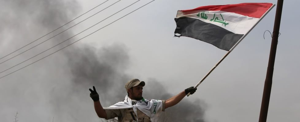 Is, Iraq: Tikrit sotto assedio. Esercito combatte per liberarla. Gb vara legge su 'foreign fighters'