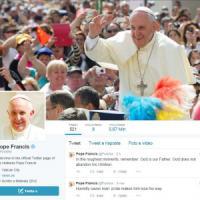 Francesco, due anni 'social'. Pace e lavoro nei messaggi di chi scrive a Pontifex