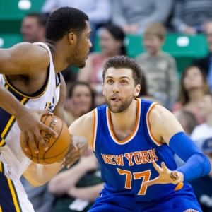 Basket, Nba: Bargnani ne fa 20 ma New York cade ancora, San Antonio stende Toronto