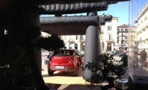 Nuova Mazda 2, il road show diventa uno spettacolo