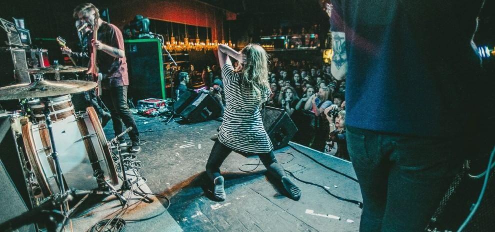 Marmozets, il nuovo sogno inglese che danza sulla sponda rumorosa del rock