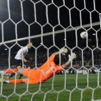 Spezia-Livorno 3-0, Situm trascina i bianconeri