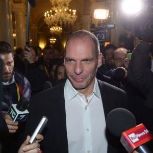 """E a sorpresa il ministro greco conquista il parterre di Cernobbio: """"Io estromesso? Lo vuole la troika"""""""