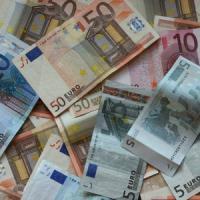 Italia: un decennio di crescita degli stipendi mangiato (a metà) dal Fisco
