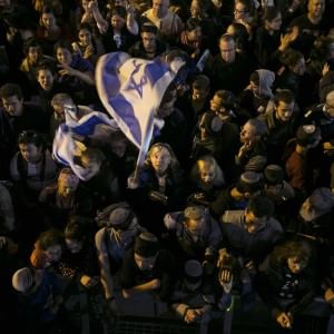 Elezioni Israele, Netanyahu in piazza prova a recupare lo svantaggio