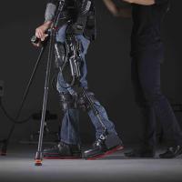 Disabilità, un esoscheletro indossabile che consente di tornare a camminare