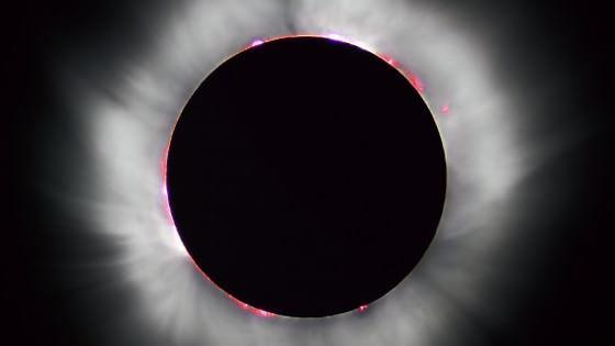 Eclissi: paure, suggestioni e leggende legate al Sole che scompare
