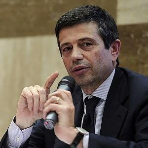 """Caso Lupi, Delrio: """"Dimissioni? Ci pensa"""". Ma lui nega. M5S e Sel: mozione di sfiducia"""