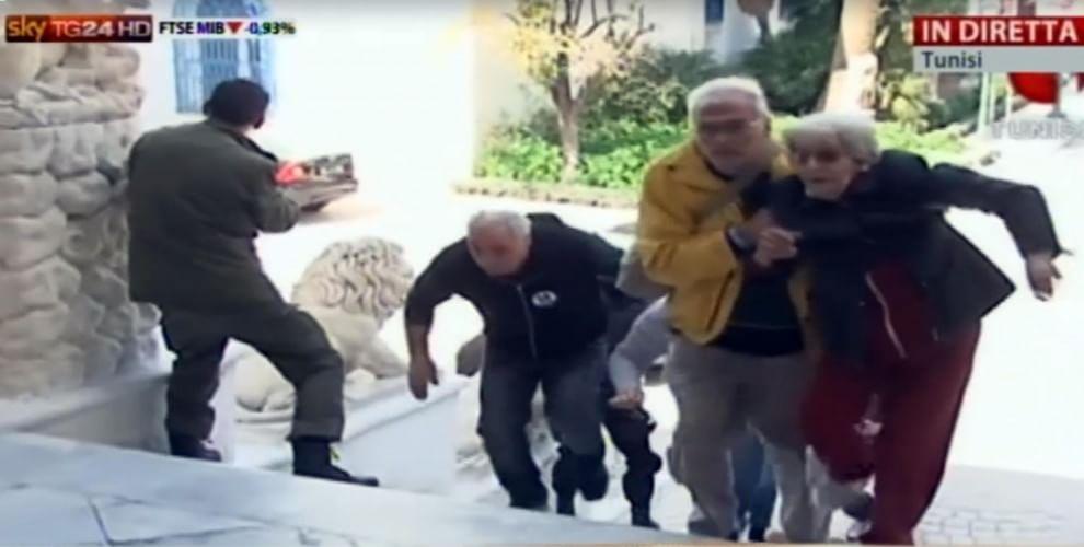 Tunisi, la fuga degli ostaggi dal museo Bardo