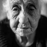 Sardegna: porte aperte all'artista, i ritratti nelle case del villaggio
