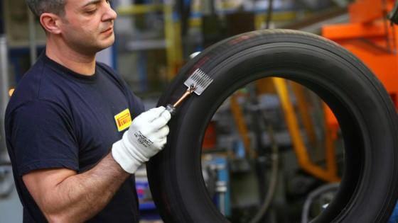 Pirelli verso la Cina, pronta l'Opa a 15 euro per azione