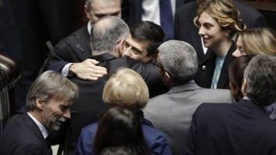 """Lupi: 'Esco da governo a testa alta'   video   Renzi: """"Terr� interim per poco"""""""