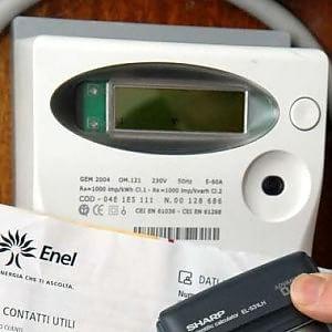 Elettricità, bolletta nuova, contatori vecchi. Il paradosso italiano