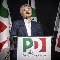 Convention minoranza Pd, D'Alema attacca Renzi: 'Partito gestito con arroganza'