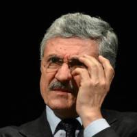 Pd, l'affondo di D'Alema non spaventa: 'Nessuna scissione'
