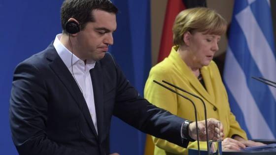 """Merkel-Tsipras, segnali di distensione. La cancelliera: """"Vogliamo Grecia economicamente forte"""""""