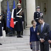 Francia, reali di Spagna all'Eliseo nel giorno dell'incidente aereo