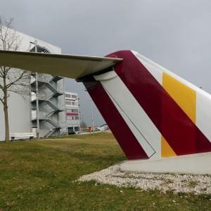Disastro Germanwings, il mistero del mancato allarme. Ieri l'A320 era stato bloccato a terra per un problema al carrello