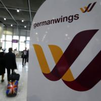 Disastro Germanwings, squadra di calcio svedese cambia volo e si salva