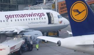Disastro Germanwings, squadra di calcio svedese cambia volo e si salva