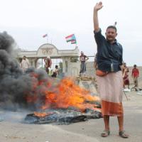 """Yemen, ribelli Houthi conquistano aeroporto. Governo: """"Chiediamo intervento militare..."""