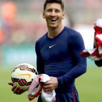 Messi davanti a Ronaldo tra i paperoni del calcio. Italiani d'oro solo in panchina