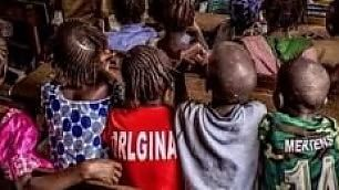 Mertens e il baby tifoso in Guinea in aiuto il National Geographic