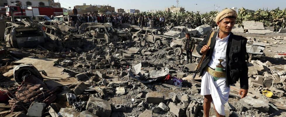 """Arabia Saudita attacca lo Yemen. Leader Houthi: """"Sarà guerra"""".  E l'Iran si schiera con lui"""