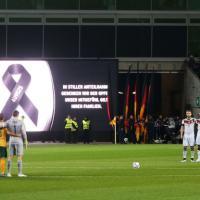 Germanwings, calciatori a lutto nell'amichevole tra Germania e Australia