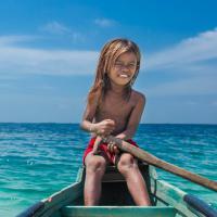 Borneo, tra i piccoli nomadi dei mari: una vita nell'acqua tra gioia e povertà