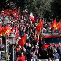 Unions in piazza, nemico comune è il Jobs act