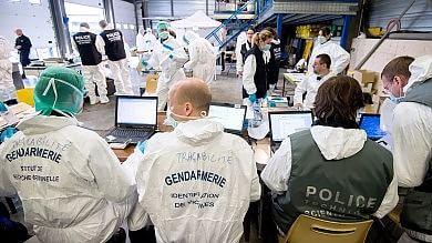 """Germanwings, dialogo tra piloti poi l'urlo """"Apri questa maledetta porta"""""""