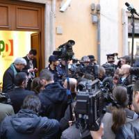 """L'opposizione nel Pd evoca la scissione: """"La ditta non c'è più"""""""