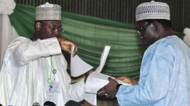 Elezioni in Nigeria, il musulmano Buhari in vantaggio sul cristiano Goodluck   foto